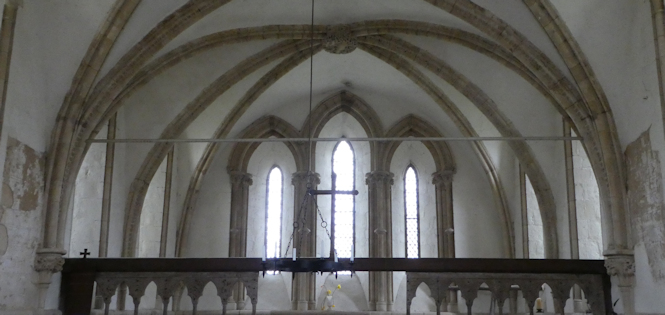 st_leonards_interior