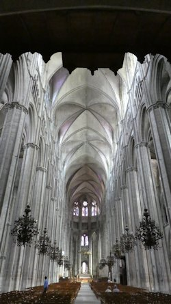bourges_nave
